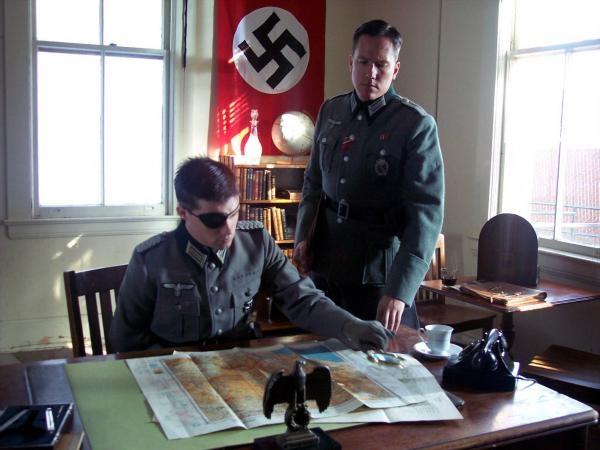 42 způsobů, jak zabít Hitlera