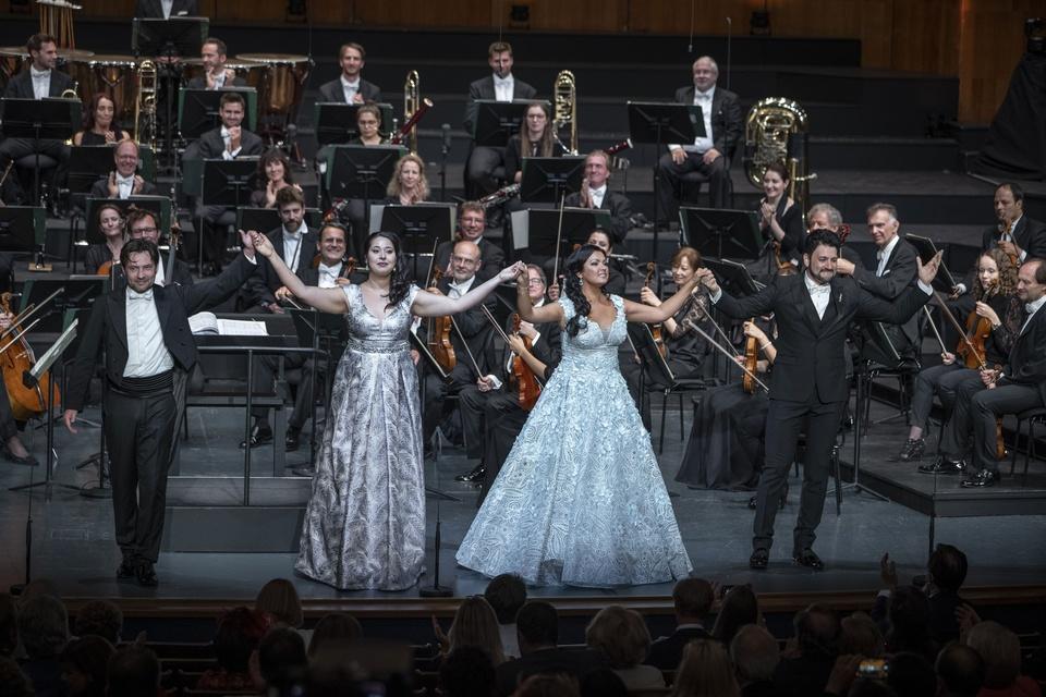 Netrebko a Eyvazov na koncertu v Salcburku