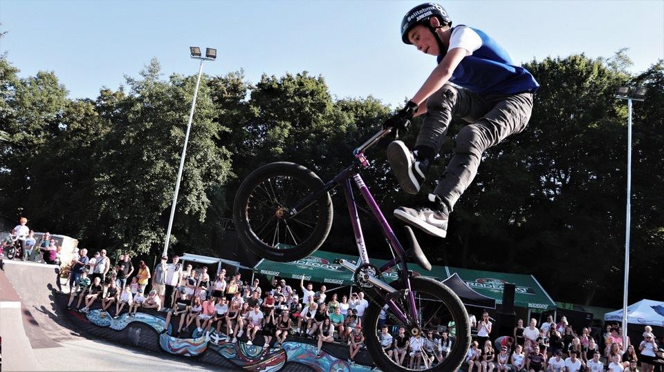 BMX: M ČR jednotlivců a týmů Pardubice